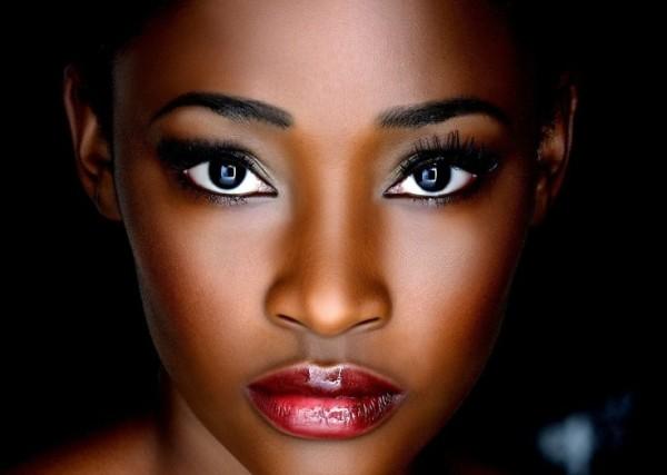 Natural-Makeup-For-Dark-Skin-Tones-