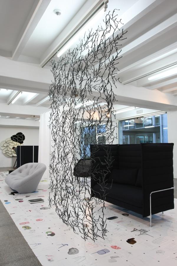 stilwerk-Berlin-Ronan-und-Erwan-Bouroullec-Die-vierhändige-Gestaltung-Algue-Alcove-Vitra