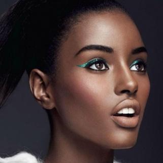 thumb-03-totalbeauty-logo-foundation-dark-skin